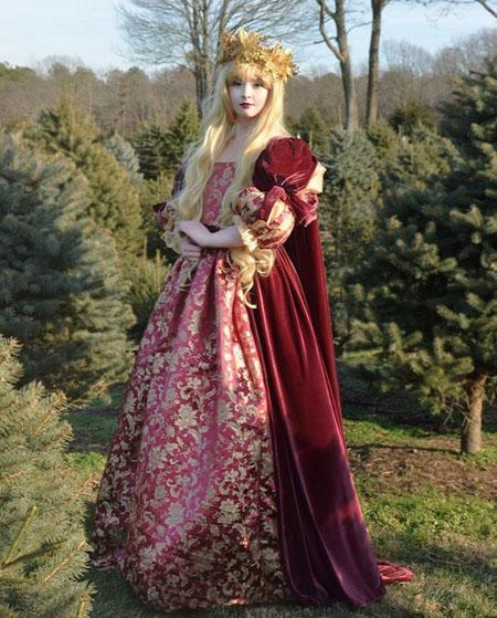 中世纪贵妇背影图片-复古风的漂亮裙子人家妹纸会做,如果你手不够图片