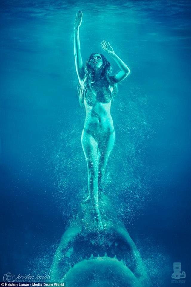 Секс девушка в воде 170